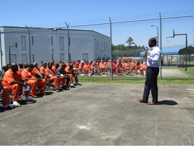 Willie Simmons speaks to inmates at the Gadsden County Jail on May 2, 2018.